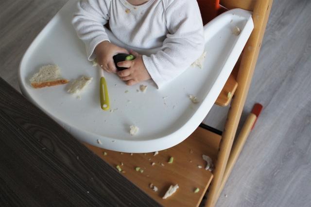 離乳食後期の食パンの食べさせ方