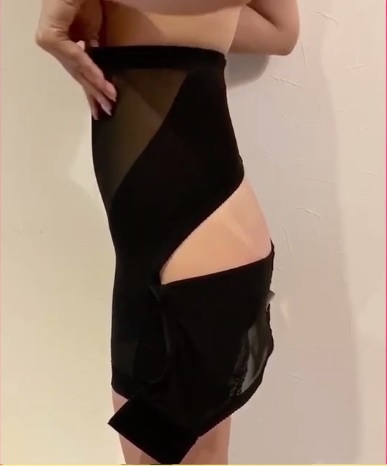 スラボディ(SULABODY)の履き方