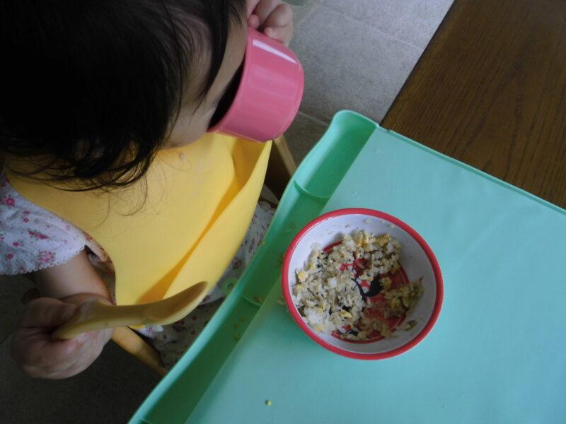 子供の食べこぼし対策食事マット